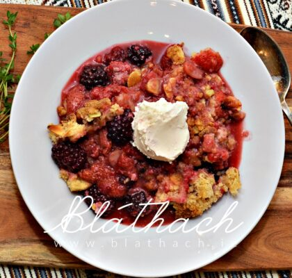 Summer Berry-Thyme Crumble